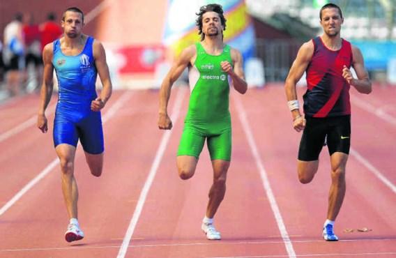 Arnaud Destatte (l.) kroonde zich tot Belgisch kampioen op de 400m en verzekerde zich zo van een basisstek in de aflossingsploeg op het EK.Virginie Lefour/belga
