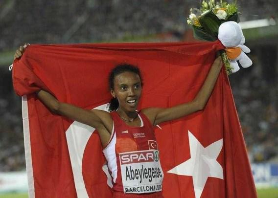 Turkse Elvan Abeylegesse snelt naar goud op 10.000 meter