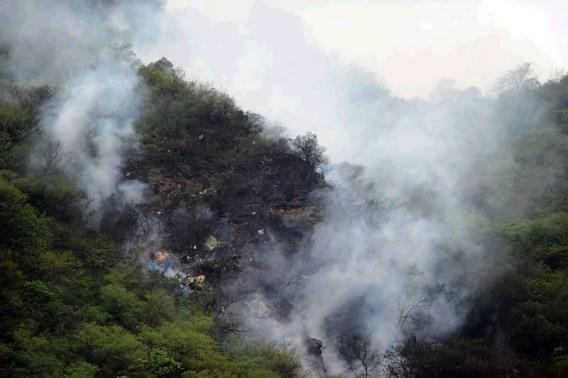 152 passagiers komen om in vliegtuigcrash in Pakistan