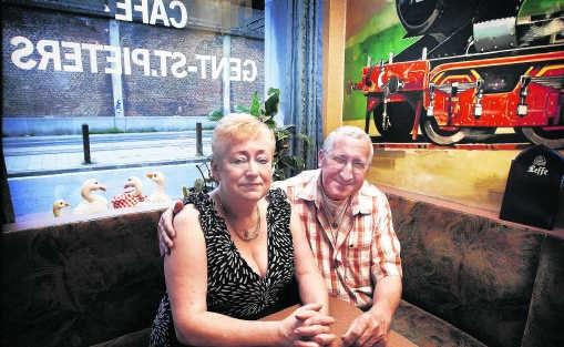 Chris Verschelden en Diane Matthijs verliezen door de onteigening hun huis én hun zaak. Dominique Dierick