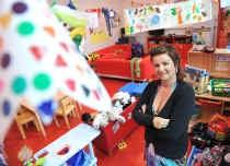 Eva Minnebo gaat op 1 september weer met plezier naar haar kleuterklas in de Triangel in Gent. 'Maar je mag de job ook niet onderschatten.' Marc Herremans