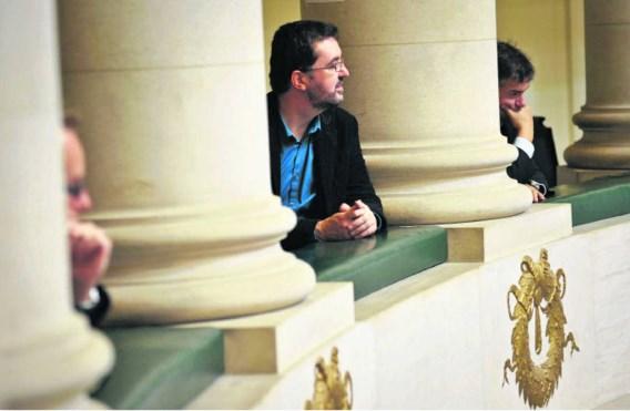 'Een zitje in de raad van bestuur van openbare bedrijven of grote privéspelers, zoals Electrabel of Dexia, kun je niet combineren met een politiek mandaat', zegt Groen!-voorzitter Wouter Van Besien.Bart Dewaele
