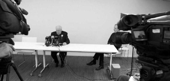 Kardinaal Danneels tijdens de persconferentie van 24 april over het ontslag van bisschop Vangheluwe. Nicolas Materlinck/Belga