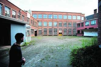 Een oud schoolgebouw in Sint-Niklaas: 'Dit is super als locatie.'wkb