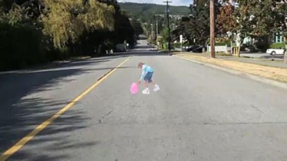 Nieuwe verkeersremmer: 3D-illusie van spelend meisje