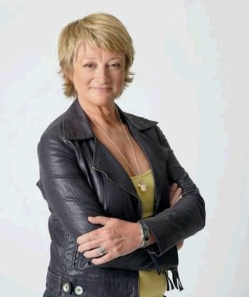 Martine Tanghe presenteert 'Volt' met gebroken bekken