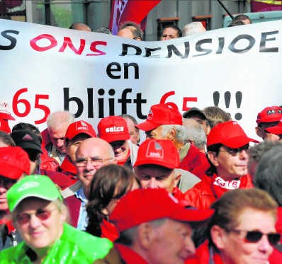 De vakbonden protesteren in Brussel tegen pensioenplannen die nog niet bestaan. pn