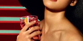 Topless foto's Jessica Alba gelekt
