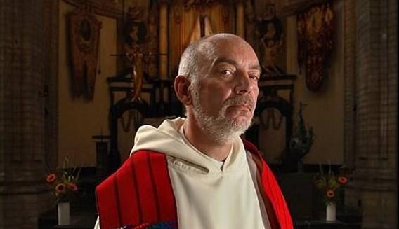 Brusselse priester breekt lans voor in-vitrofertilisatie