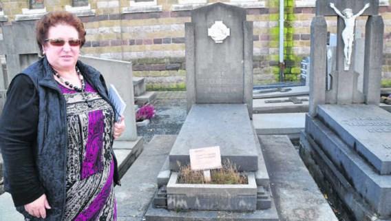 Schepen Verschaeve: 'Vroeger moest je een familie met standing zijn om dicht tegen de kerk te liggen.' pli