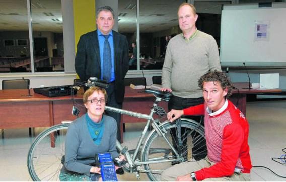 De politie van zone Riho zal apparatuur om fietsframes te merken in bruikleen geven aan fietshandelaars.Stefaan Beel