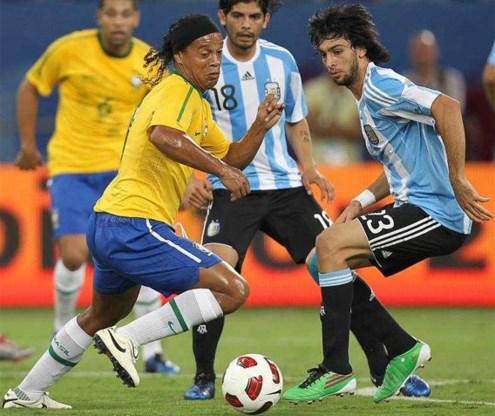 Messi bezorgt Argentinië eerste winst in zes jaar tegen Brazilië