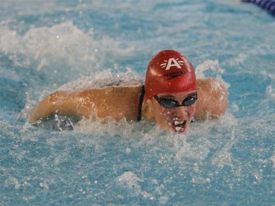 Kimberly Buys zwemt minimumtijd voor WK 2011
