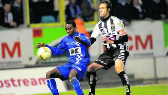 Yaya Soumahoro (l.), hier in duel met Maxime Brillault, heeft zijn hamstringblessure achter de rug.Nico Vereecken/photo news