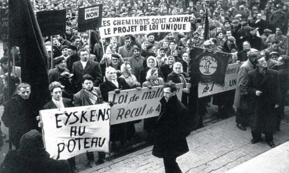 Een van de vele betogingen tegen de Eenheidswet in 1960.pn