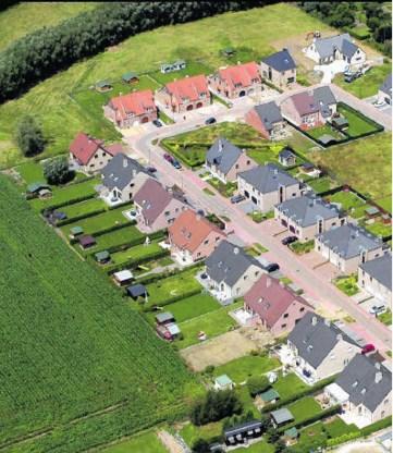 De regelgeving laat toe dat kleine tuinen in de stad sluiks worden volgebouwd. photo news