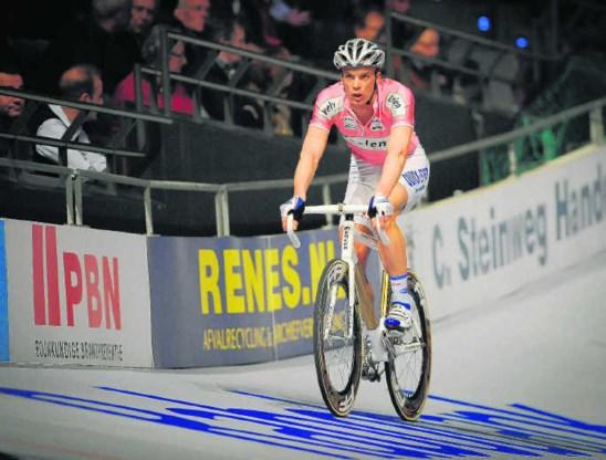 In Rotterdam dwong Iljo Keisse nog zijn startrecht af via de rechtbank, maar de UCI houdt voet bij stuk.isosport