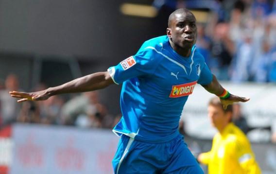 Demba Ba ziet transfer naar Stoke in het water vallen