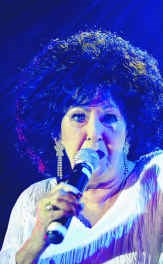 Wanda Jackson, 73 en nog goed op dreef. hh