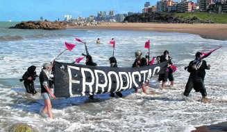 'Operatie Bang!' van het Argentijnse collectief Erroristas: vrolijke verwarring tussen performance en activisme. etcetera