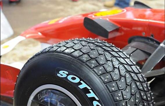 Pirelli test regenbanden... in woestijn