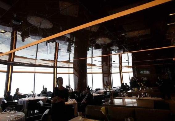 FOTO: Dineren op 442 meter boven de grond