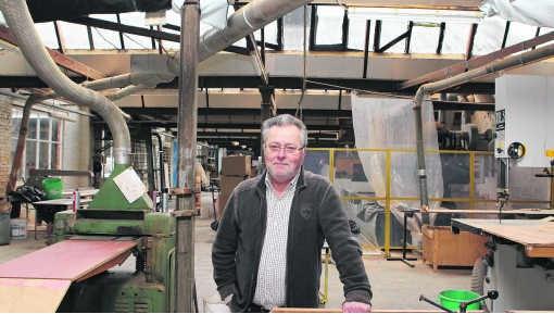 Bob Van den Berghe: 'Het ontwerpen en het maken van een meubel, deden we gewoon graag, we zagen achteraf wel of iets verkocht.'Gianni Barbieux