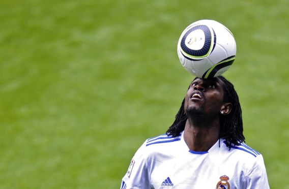 FOTO: Adebayor voorgesteld in Madrid