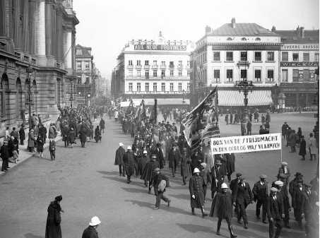 Vlaamse Betoging in Brussel in 1929.pn