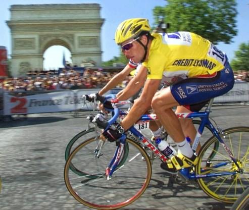 FOTO: De Tourzeges van Armstrong