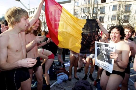 Halfnaakte studenten in Gent