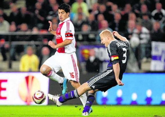 In tegenstelling tot vorig jaar hoeft Anderlecht Luis Suarez niet te vrezen. Ajax, dat alleen nog winst kan maken als het zijn beste spelers laat vertrekken, verkocht de Uruguayaan onlangs aan Liverpool.photo news