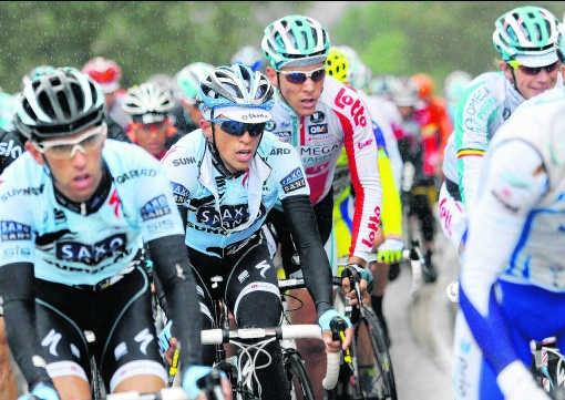 Alberto Contador, verscholen in het peloton. 'De afgelopen maanden was mijn leven een hel.'Vincent Kalut/photo news