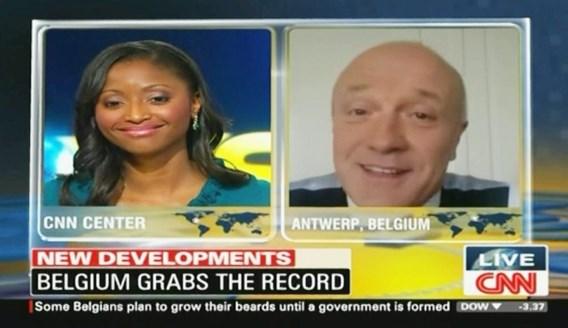 Geert Hoste legt frietrevolutie uit op CNN