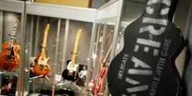 Eric Clapton laat zeventig gitaren veilen voor goed doel