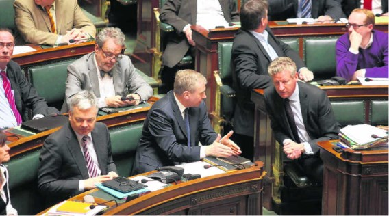 Hoelang de eensgezindheid in het parlement standhoudt, zal afhangen van de oorlogshandelingen.Julien Warnand/belga
