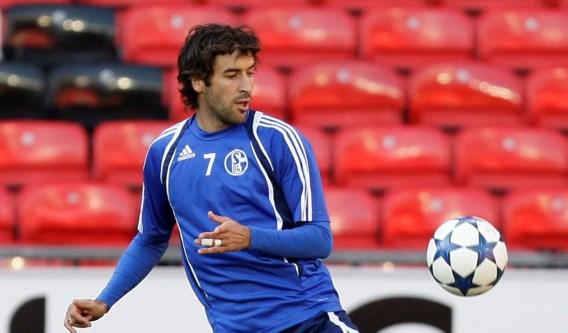 Raul blijft Schalke 04 trouw