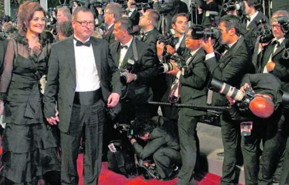 Lars Von Trier en zijn vrouw Bente Froge woensdag. Gisteren was hij minder graag gezien in Cannes. reuters