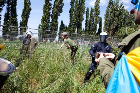 Kris Peeters betreurt vernieling GGO-aardappelveld