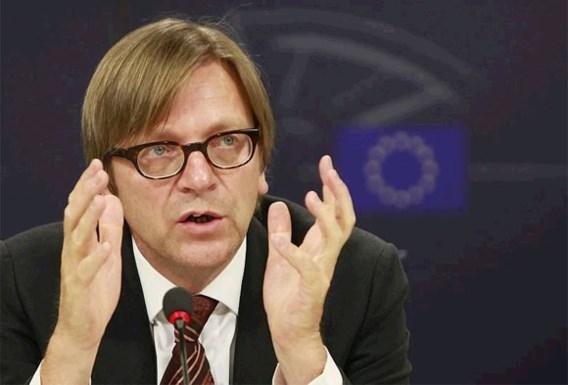 Verhofstadt pleit voor internationale interventie in Syrië