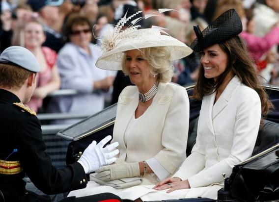 FOTOSPECIAL. Britse Royals vieren verjaardag Queen met parade