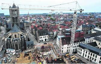 Het Emile Braunplein is momenteel een enorme bouwwerf.jul