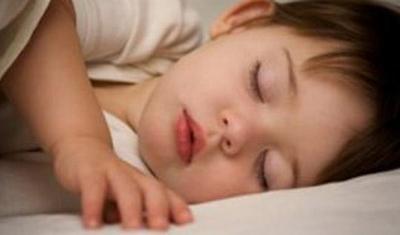 Kind dat slecht slaapt wordt dikker