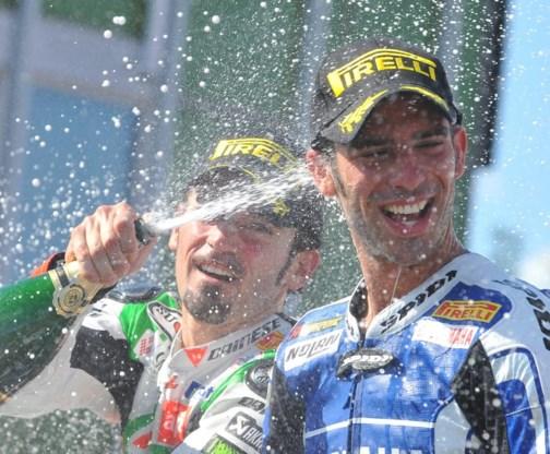 Max Biaggi wint Superbike Tsjechische Brno