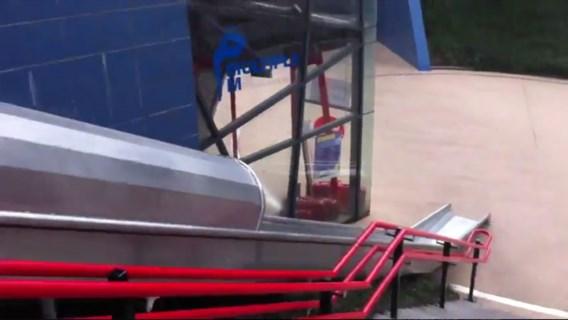 VIDEO. Neem de glijbaan naar de trein