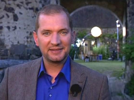 Karl Vannieuwkerke verliest weddenschap
