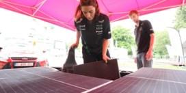 FOTOSPECIAL. Dochter Jacky Ickx racet op zonne-energie