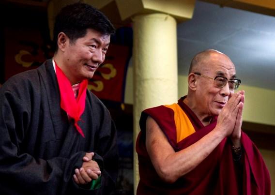 Politiek opvolger van dalai lama legt eed af