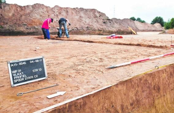 Het Vlaams Agentschap Onroerend Erfgoed is verbaasd dat particulieren met archeologisch onderzoek worden lastiggevallen. 'Zeker voor een rijwoning klinkt dat nogal hallucinant.'Lisa Van Damme