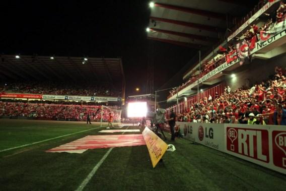 FOTOSPECIAL. Licht valt uit tijdens Standard - Kortrijk